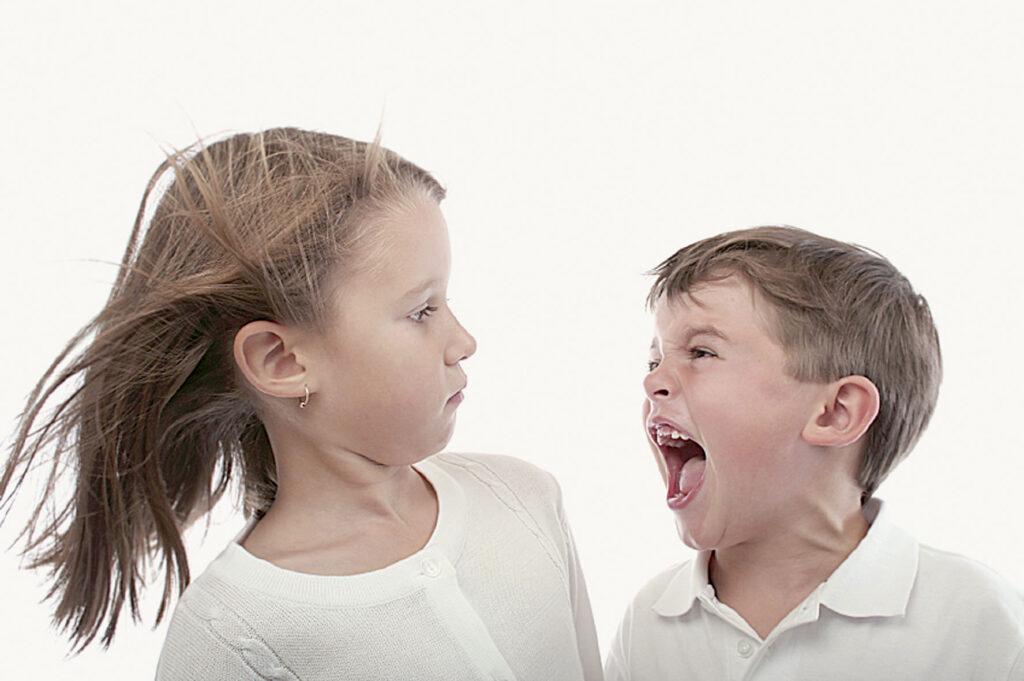 Как отучить ребенка драться?