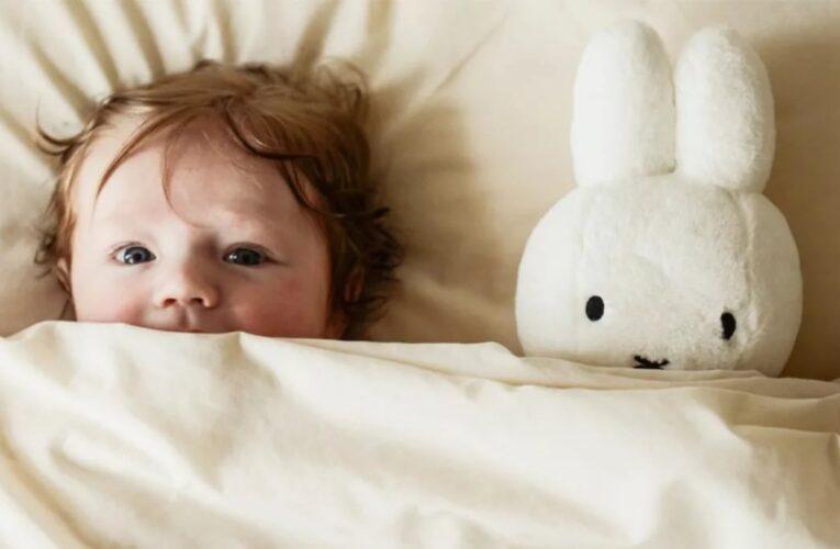 Ребенок боится спать один. Что делать родителям?