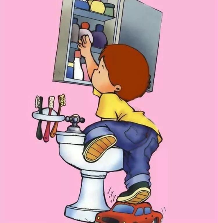 Опасности в ванной для ребенка