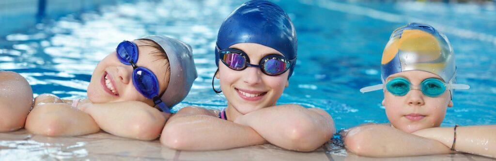 Запишите ребенка в бассейн