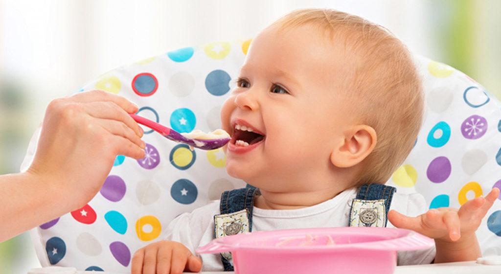 Чем кормить ребенка в 1 год?