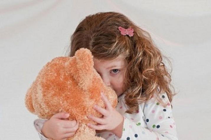 Почему ребенок растет застенчивым?
