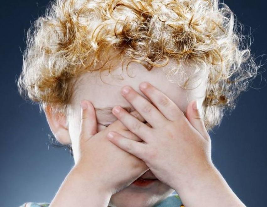 Симптомы застенчивости у ребенка