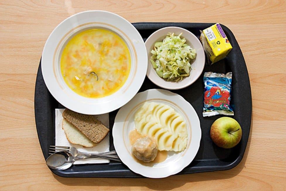 Чем кормить ребенка школьника