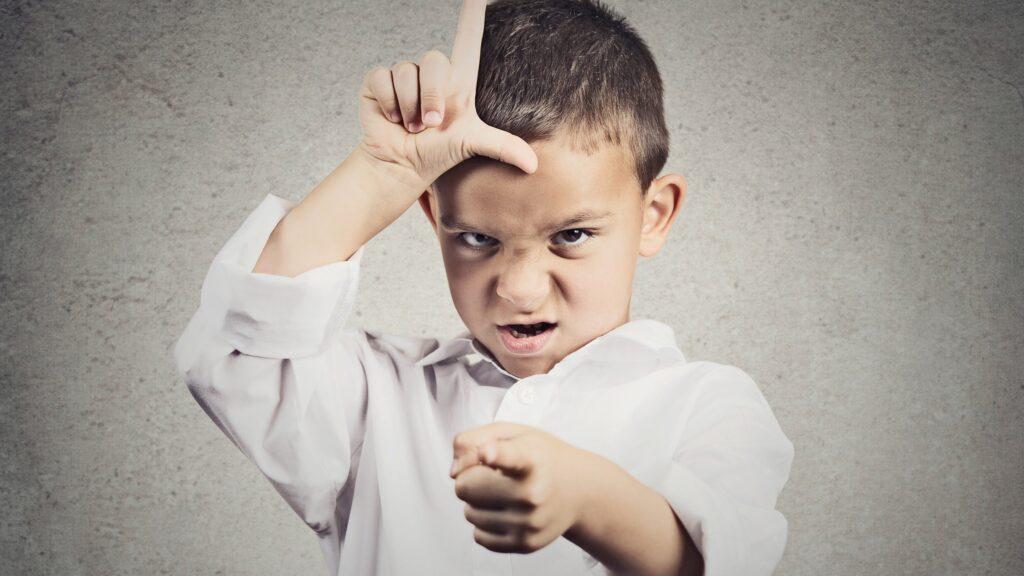 правиться с плохим поведением ребенка