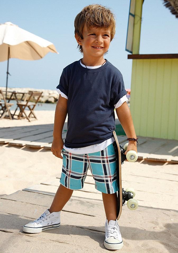 Удобные шорты маленького мальчика